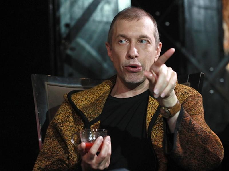Критик Сергей Соседов на всю страну высмеял Пугачеву и сравнил ее с Бузовой