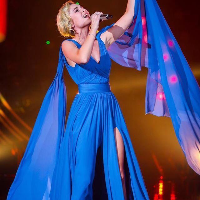 Полина Гагарина прошла в финал китайского конкурса «Singer»