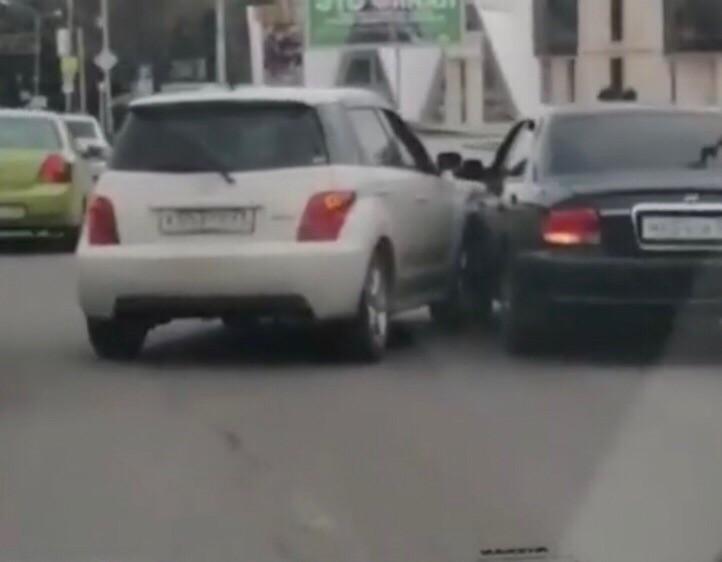 На проспекте Победы в Кисловодске произошло ДТП