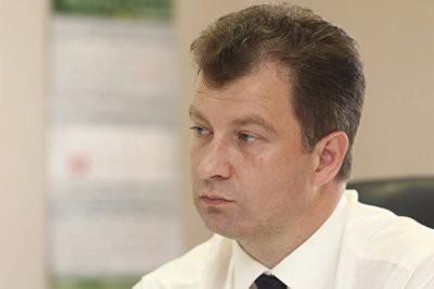 Сын-школьник мэра Серова Василия Сизикова за год заработал 400 тысяч рублей