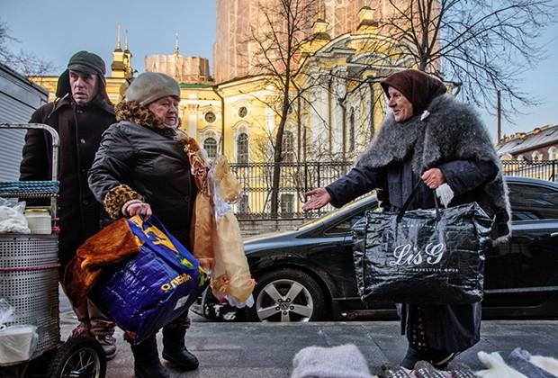 Дмитрий Медведев признал, что многие россияне не живут, а выживают