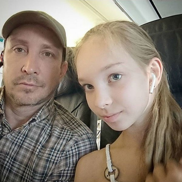 Инвалидам папы не нужны: певец Данко не общается с дочкой, которая больна ДЦП