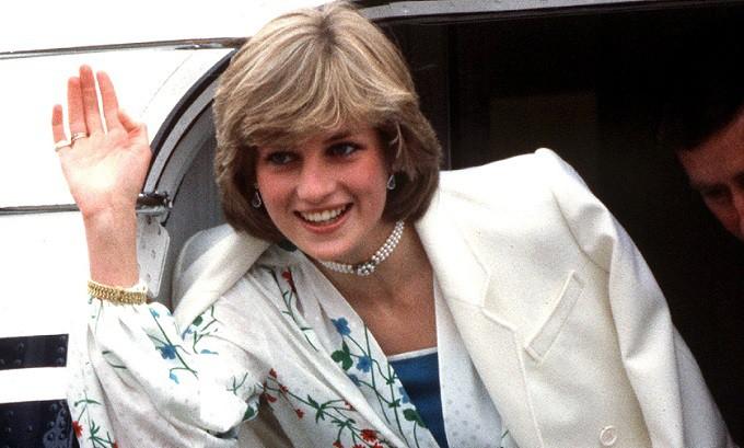 Принцессу Диану могла «заказать» королевская семья из-за слухов о беременности