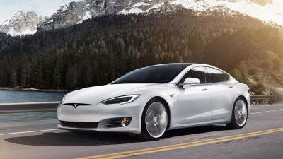 Илон Маск прокомментировал инцидент с возгоранием автомобилей Tesla