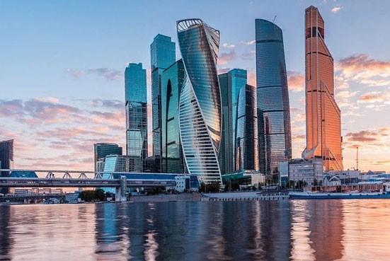 Перекрытие движения в Москве 1 по 9 мая 2019 года: какие улицы будут закрыты во время праздников и репетиций