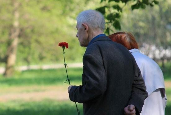 Выплата 10000 рублей ветеранам к 9 Мая 2019 по указу Путина: кто и когда получат данную доплату?