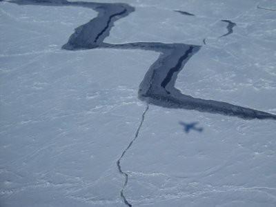 Теплая полынья океана ускорила таяние шельфового ледника Росса