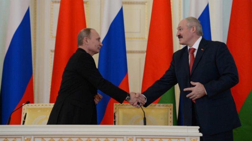 Почти половина россиян против объединения России и Белоруссии