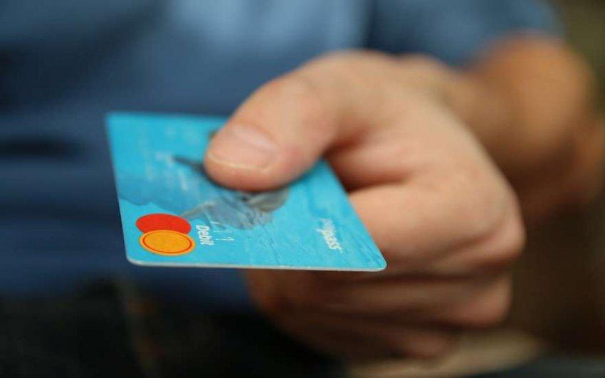 Госорганы могут блокировать банковские операции без разрешения суда