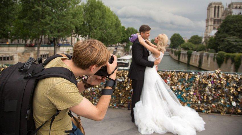 Свадебные фотографы назвали верные признаки скорого развода молодожёнов