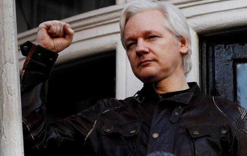 В Лондоне полиция арестовала основателя WikiLeaks Джулиана Ассанжа