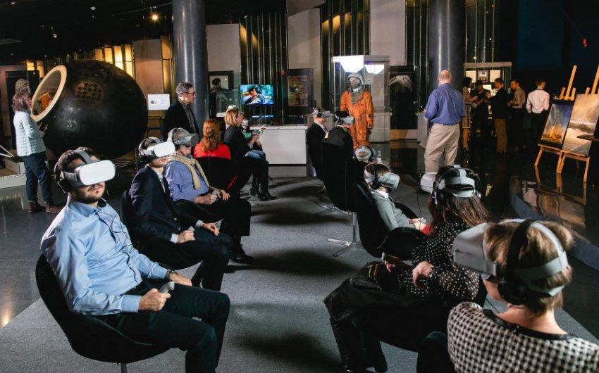 Космонавтам на МКС отправят очки виртуальной реальности
