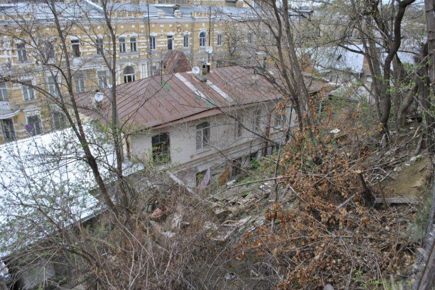 Свалка в центре Кисловодска угрожает пожаром