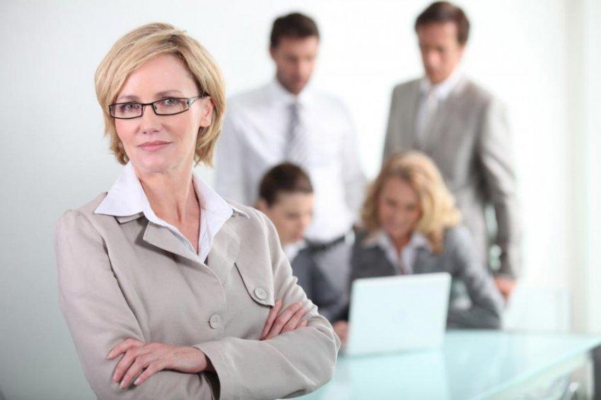 Названы причины, мешающие женщине сделать успешную карьеру
