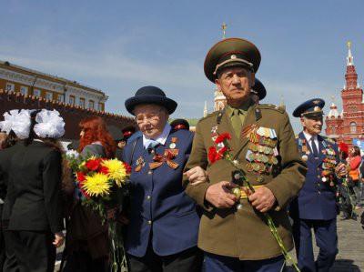 Путин повысил пенсии ветеранам ВОВ: кому и на сколько повысят