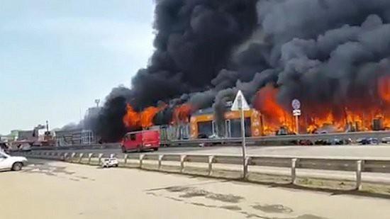 В Пятигорске сгорел рынок «XXI век»