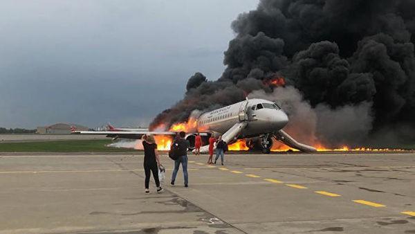 «Доставали ручную кладь с полок»: стало известно о причинах гибели пассажиров на борту SSJ-100