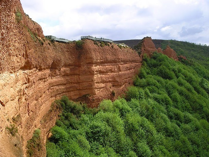 Лас-Медулас: древнеримский золотоносный карьер и законы гидравлики