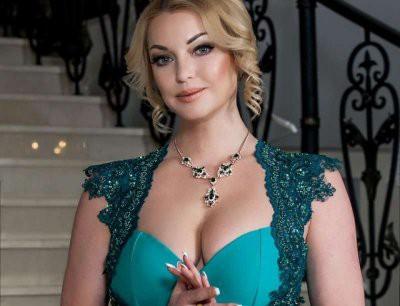 Анастасия Волочкова отдыхает от хейтеров и фантазирует о любимом