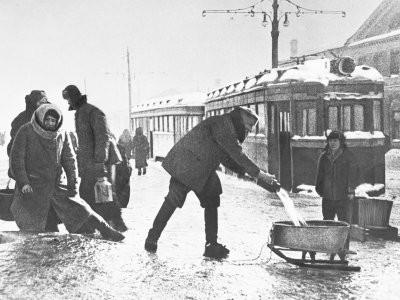 Писательница: Иосиф Сталин - виновник блокады Ленинграда