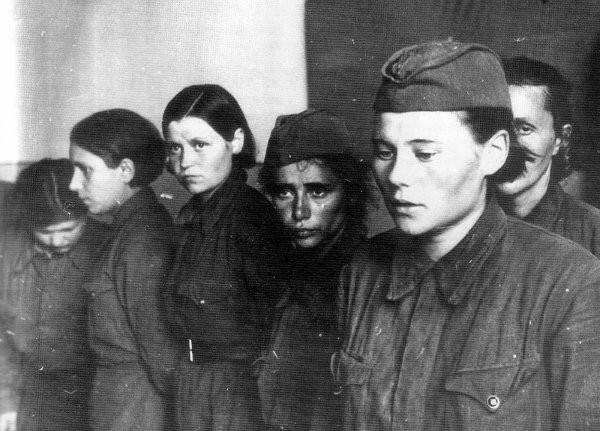 Суровая правда: Воспоминания женщин-ветеранов ВОВ