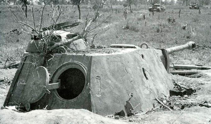 «Отчаянные» меры фашистов: орудийные ДОТы и закопанные танки