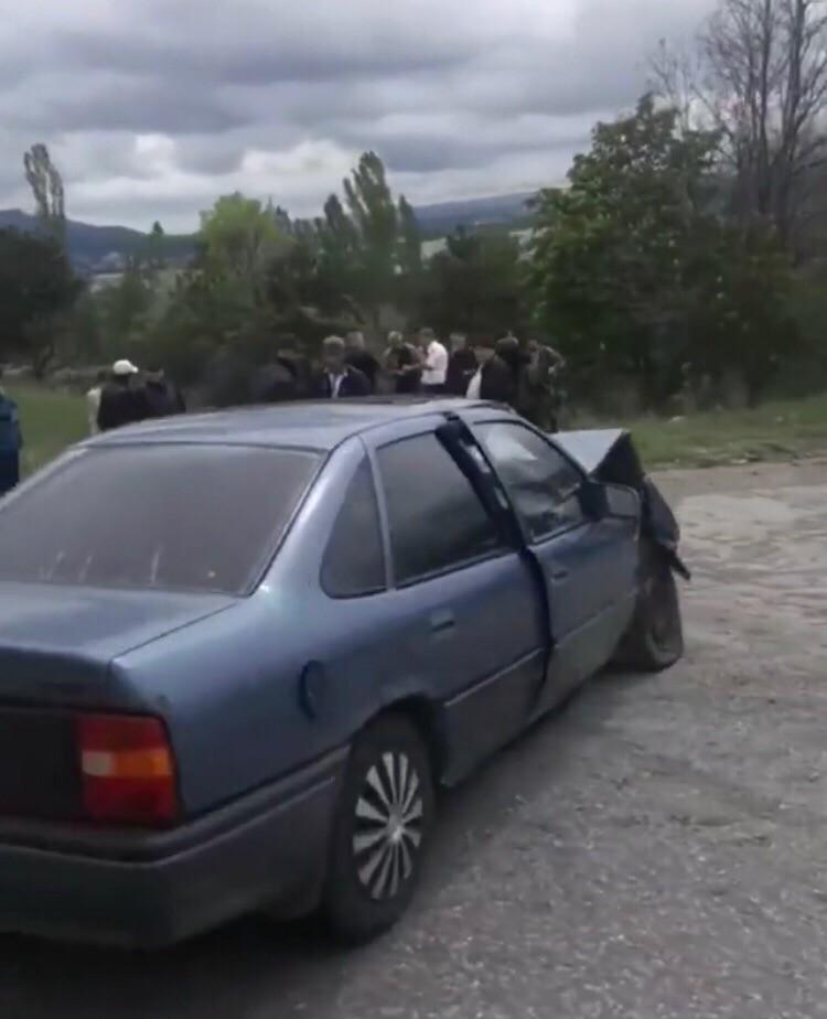 В Кисловодске в результате ДТП автомобиль вылетел в кювет