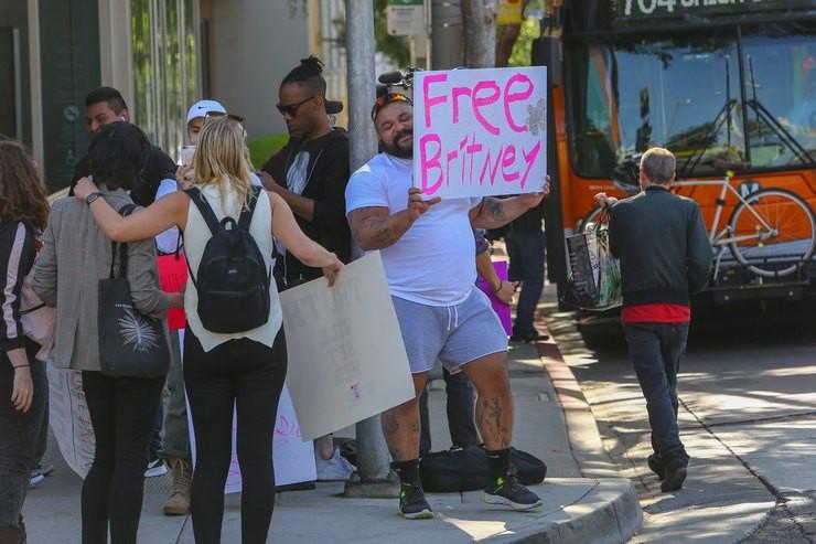 Бритни Спирс может больше не вернуться на сцену из-за проблем со здоровьем
