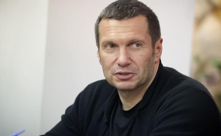 Телеведущий Владимир Соловьев нашел деньги для увеличения пенсий