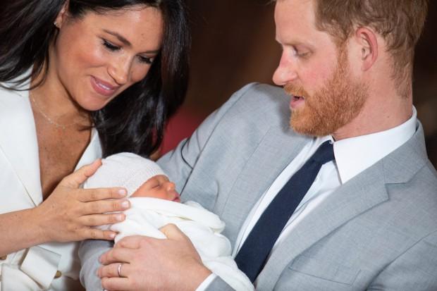 Блогер из Англии восхитилась Меган Маркл, которая не скрывает увеличившийся после родов живот
