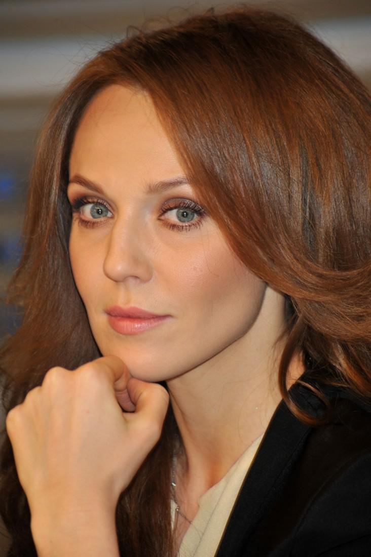 Альбина Джанабаева осудила поведение Анджелины Джоли
