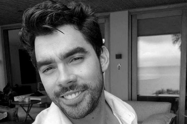 Известный певец Габриэль Диниз погиб в авиакатастрофе по пути на день рождения любимой