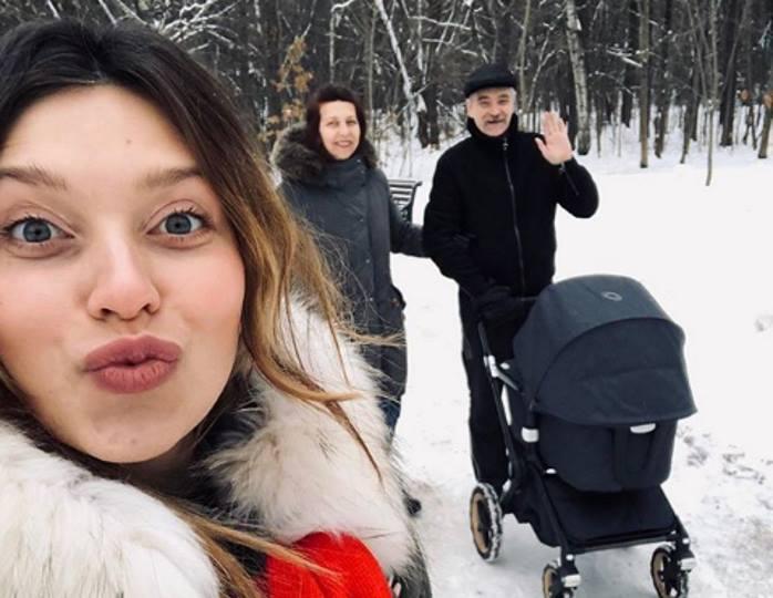 Подписчики Тодоренко не могут понять, для чего ее пятимесячному сыну нужен английский язык