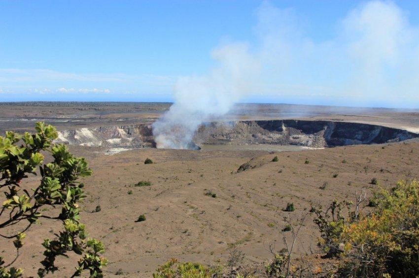 Американский военный чудом остался жив после падения в кратер вулкана