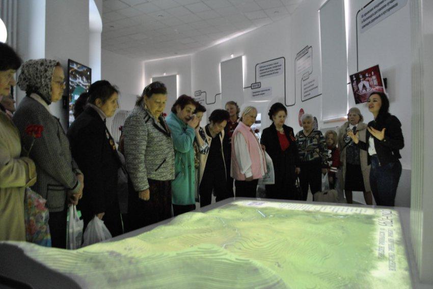 В Национальном парке «Кисловодский» провели экскурсию для ветеранов