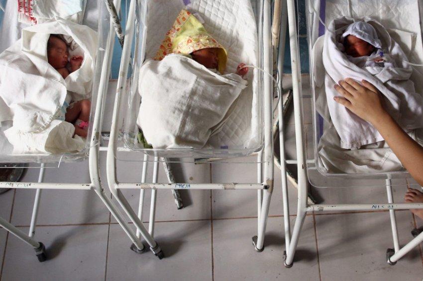 В российских роддомах выявили схему краж младенцев для продажи в другие семьи