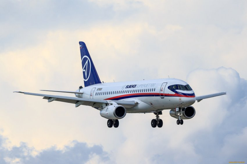 Более 170 тысяч человек подписали петицию о запрете полетов SSJ 100