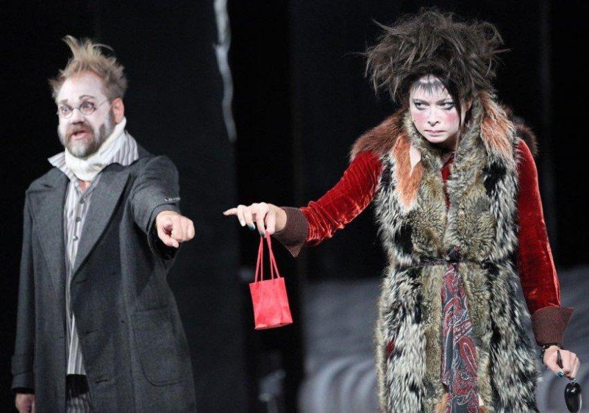 Настасья Самбурская обнародовала переписку с режиссером, уволившим ее из театра
