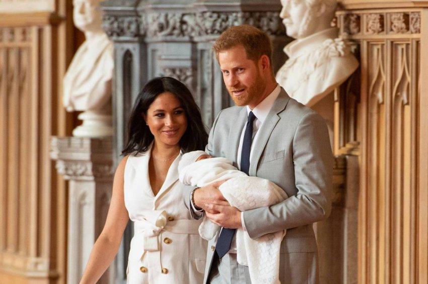 Над Меган Маркл сгущаются тучи: дворец берет ее под контроль после рождения первенца