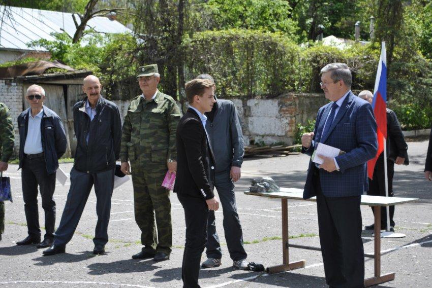 Школьники Кисловодска проходят военно-полевые сборы