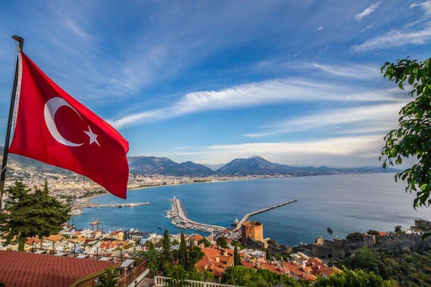 Российских туристов предупредили о возможном росте цен на отдых в Турции