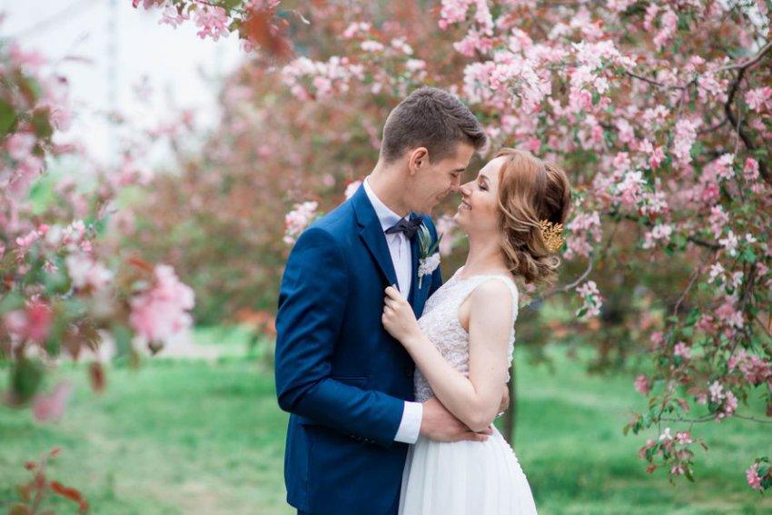 Если играть свадьбу в мае, значит, потом всю жизнь маяться?