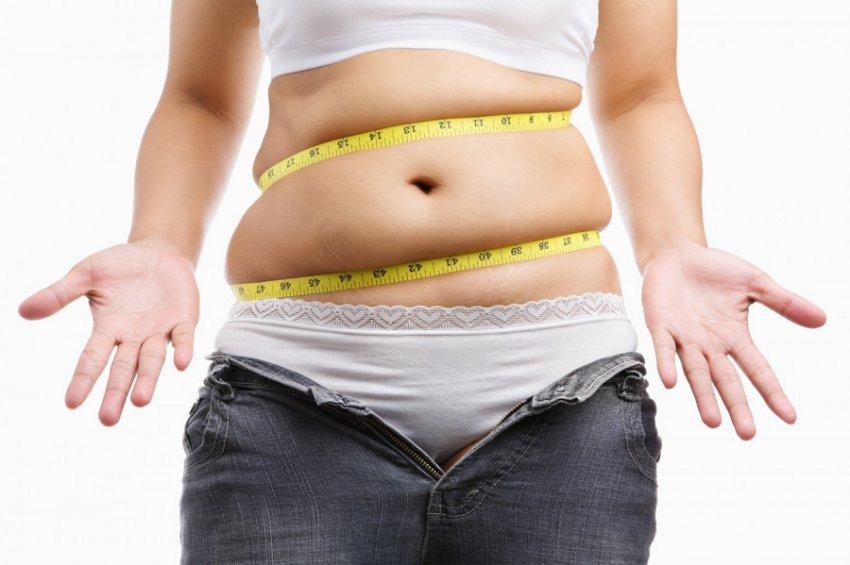 Ученые установили, кто чаще всего набирает лишний вес в отпуске