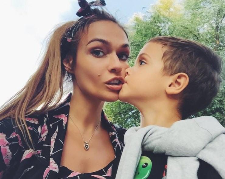 Алена Водонаева призналась, что устала полагаться только на собственные силы