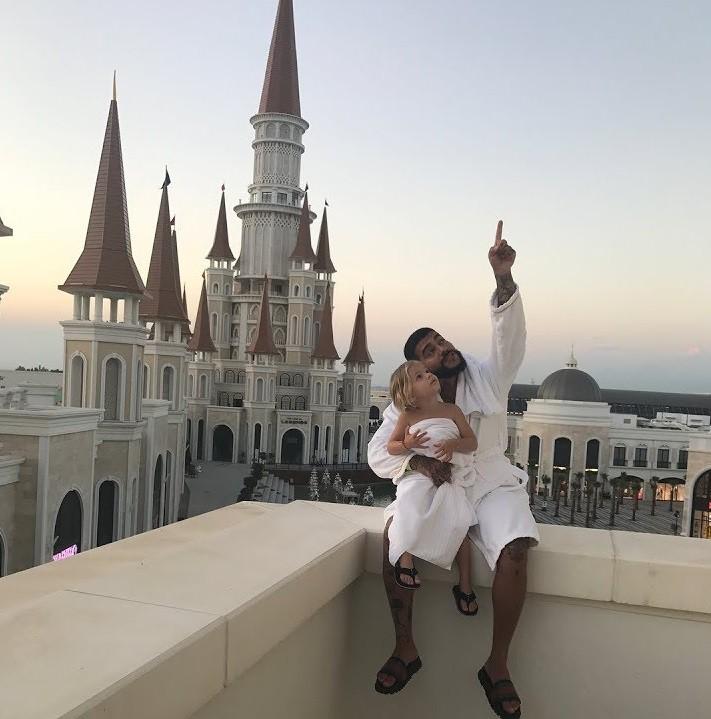 Будущего ребенка Тимати ожидает сказочная жизнь