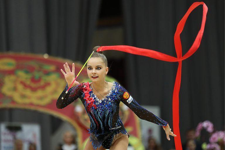 Российских гимнасток, победивших на турнире в Чехии, наградили под гимн СССР
