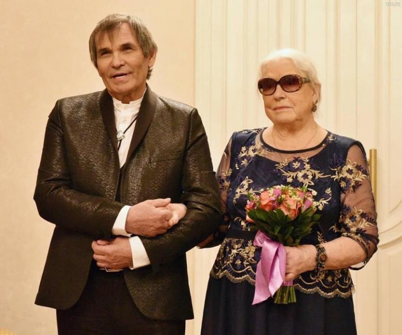 Бари Алибасов выписался из больницы после тяжелейшего отравления