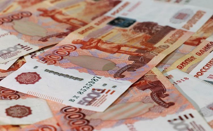 Российским чиновникам повысят пенсии и оклады уже в 2020 году