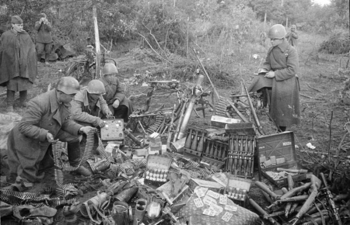 Военные трофеи: что предпочитали брать советские солдаты и солдаты вермахта