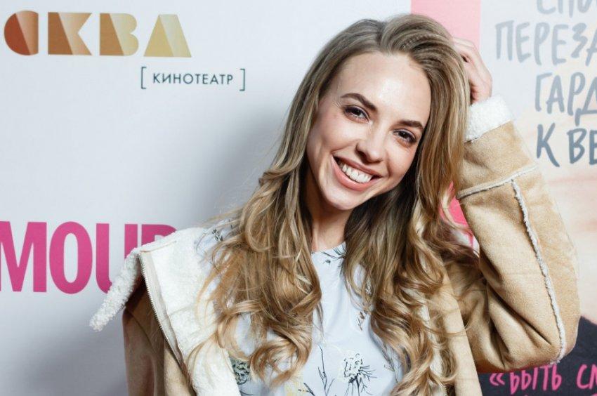 Экстрасенс Марианна Абравитова увидела, когда звезда Comedy Woman Надежда Сысоева выйдет замуж